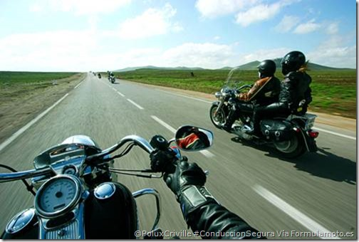 PoluxCriville_Formulamoto_es-moto-consejos-conduccion-preventiva (1)