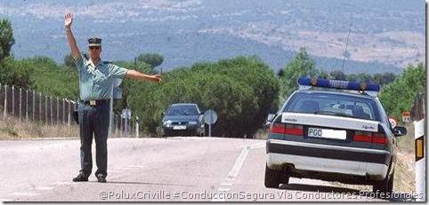 PoluxCriville-Via_Conductores profesionales-agente-parar-vehiculo-DGT-guardia-civil-moto