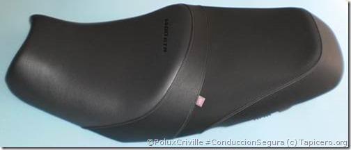 PoluxCriville-Tapicero.org-Asiento Kawasaki 1400GTR con tapicería modificada y letras impresas. A este asiento le instalamos gel en el interior de la parte delantera y trasera