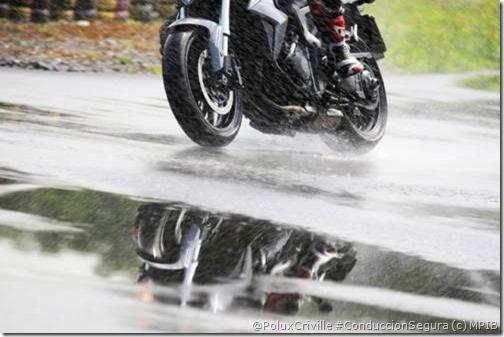 PoluxCriville-Fotos_MPIB_moto-lluvia-tormenta-verano-agarre-goma
