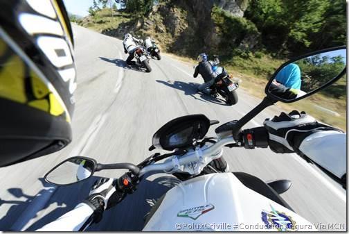 PoluxCriville-MCN-moto-ruta-curvas-grupo-separacion-seguridad