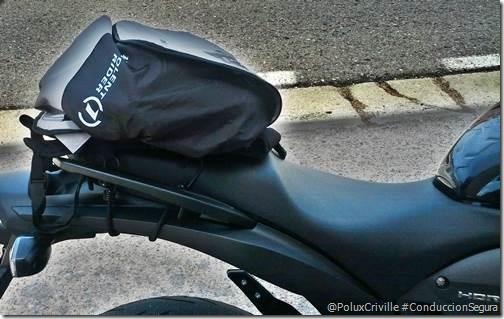 PoluxCriville-Mochila-casco-Insolent-Rider