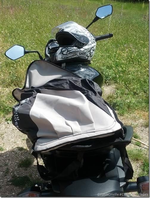 PoluxCriville-Mochila-casco-Insolent-Rider_4