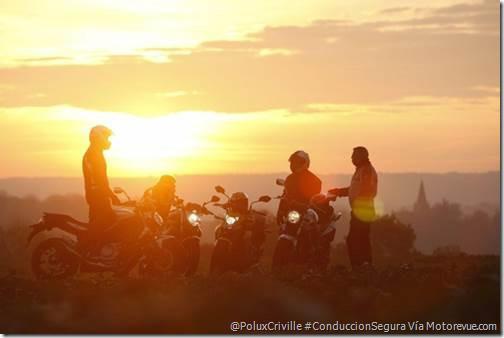 poluxcriville-Motorevue.com-c-Bruno-Sellier-moto-viaje-ruta-atardecer-deslumbramientos-conduccio1