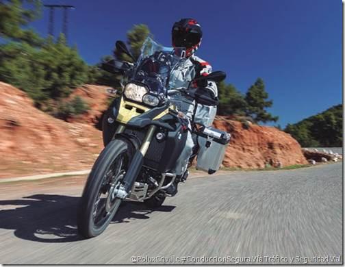 poluxcriville-trafico-seguridad-vial-dgt-verano-moto-conduccion-segura