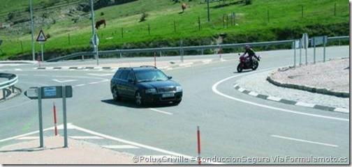 PoluxCriville-Formulamoto-es-Glorieta-moto