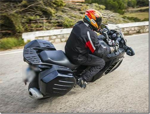PoluxCriville-Motos-net-Sebas-Romero-Kawasaki-1400-GTR