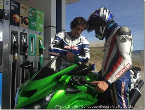 PoluxCriville-Via-Motociclismo.es-consumo-moto-llenar-deposito-grupo-ruta