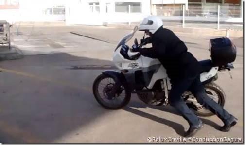 PoluxCriville_AfricangelATCE-arrancar-moto-racha-sin-bateria-baja