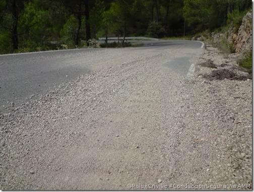 PoluxCriville-Via_AMM-carretera-aridos-piedras-arena-moto