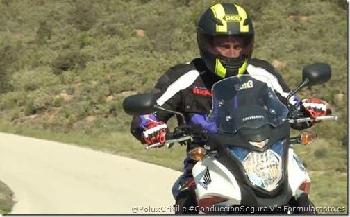 PoluxCriville-Formulamotoweb-Javier-Millan-moto-manos-conduccion-segura