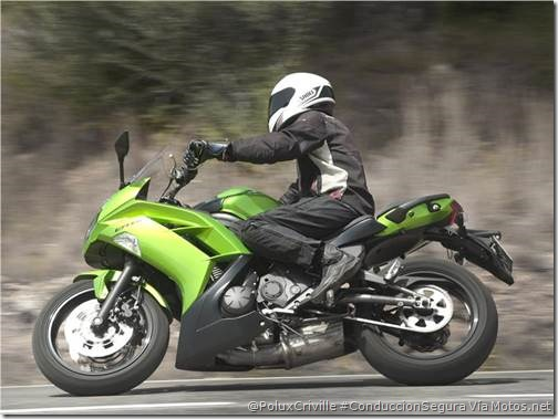 PoluxCriville-Motos_net-Xavier Pladellorens-proteccion-aerodinamica-manillar-alto