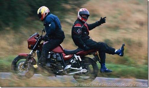 PoluxCriville-Vía_Motorcycle News-conduccion-segura-moto