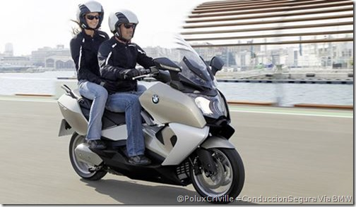 PoluxCriville-Via-BMW-conduccion-segura-moto-pasajero
