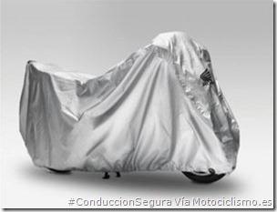 PoluxCriville-Via-Motociclismo.es-Juan Sanz-funda-moto_mantenimiento-hibernar