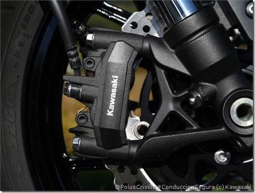 PoluxCriville-Via-Motos.net-Kawasaki Z1000SX-2014 (21)
