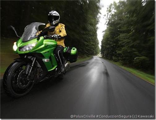 PoluxCriville-Via-Motos.net-Kawasaki Z1000SX-2014 (7)