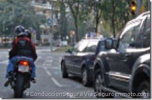 PoluxCriville-Via-Seguroenmoto.com-semaforos-ambar-moto