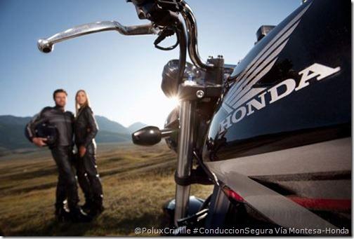 PoluxCriville-Via_Honda Montesa-moto-pasajero-piloto