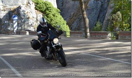 PoluxCriville-Via_Juandu Romero_moto-ruta-cuesta-abajo-desnivel-conduccion-segura
