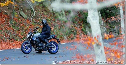 PoluxCriville-Via_Solomoto.es-aparcar-moto-otono-invierno-conduccion-segura_Yamahaxj6_n