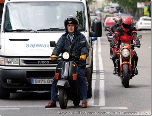 PoluxCriville-Motociclismo.es-conduccion-segura-moto-ciudad-adelantamientos-intersecciones-cruces