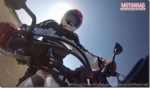 PoluxCriville-Motorradonline.de-mirada-curva-moto-manilar-conduccion-segura