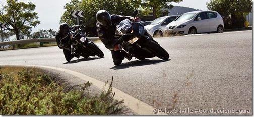 PoluxCriville-Autor desconocido-moto-conduccion-segura-visibilidad-distancia-seguridad