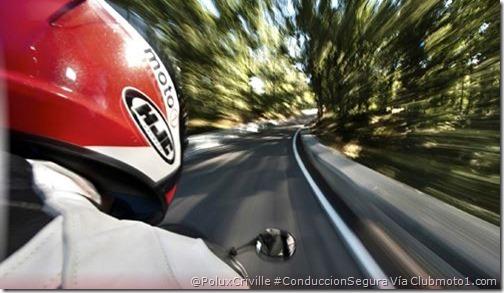 PoluxCriville-ClubMoto1_com-Alberto_Lessman-Negami-Mag22_1-moto-conduccion-segura-señalizacion-trafico