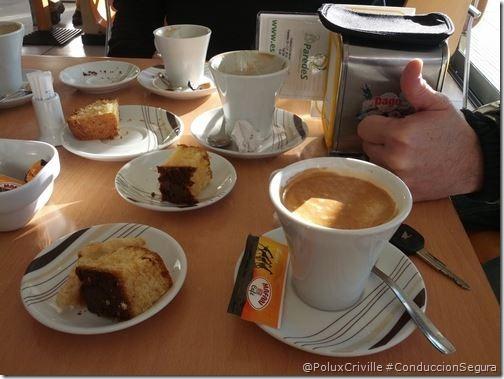 PoluxCriville-desayuno-caliente-conduccion-segura-moto