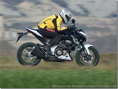PoluxCriville-Motos_net-Felix Romero-moto-agacharse-viento-aerodinamica-conduccion-segura-kawasaki-z800