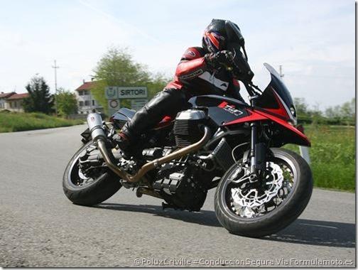 PoluxCriville-Via_Formulamoto.es-moto-conducion-segura-contramanillar-Ghezzi&Brian_5_V-TWIN MOTARD