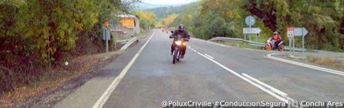 PoluxCriville-Via-Conchi_Ares-intermitentes-cambio-sentido-conduccion-segura-moto