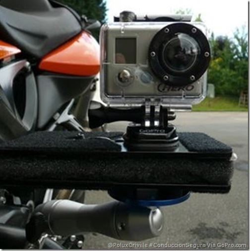 PoluxCriville-Via-GoPro.com-camara-grabar-ruta-conduccion-segura-moto-accidentes