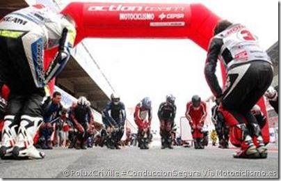 PoluxCriville-Via-Motociclismo_es-calentando-antes-de-coger-moto
