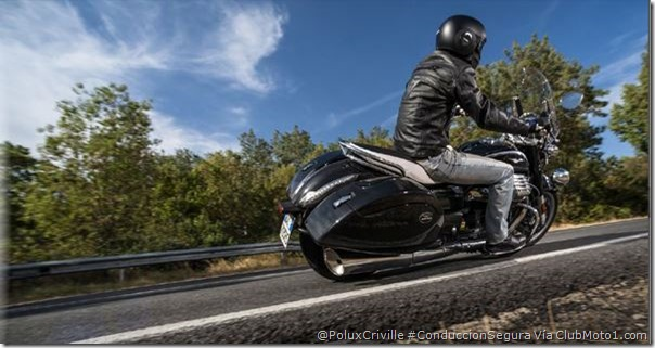 PoluxCriville-Via_Clubmoto1.com-Alberto Lessmann-moto-conduccion-segura-custom-rozar-asfalto-estriberas