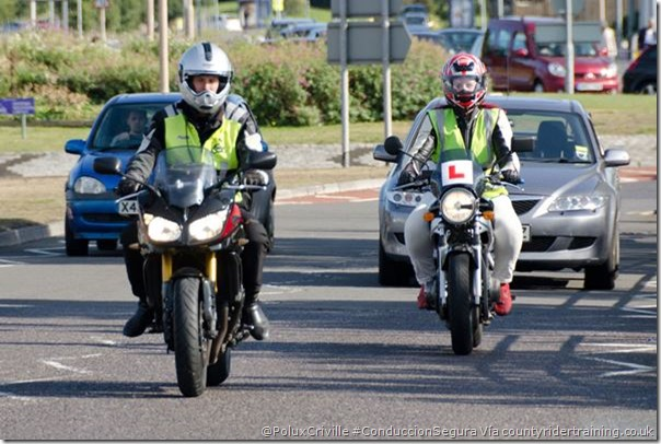 PoluxCriville-Via_countyridertraining.co.uk_cursos-conduccion-segura-moto_2
