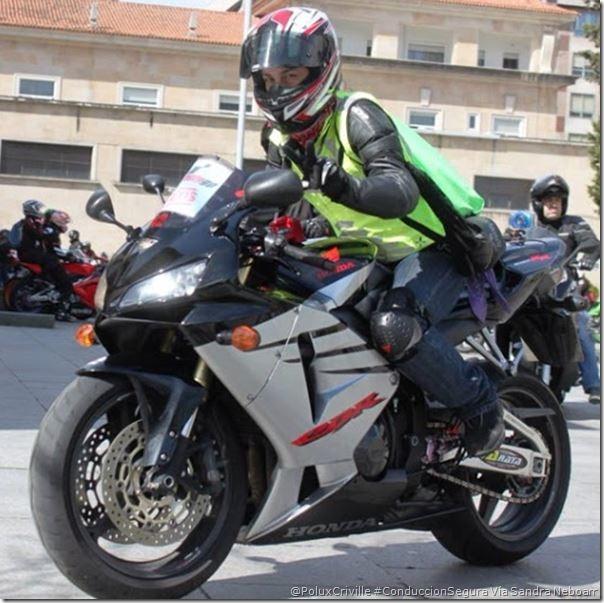 PoluxCriville-Via_Sandra_Neboarr_proteccion-moto-conduccion-segura