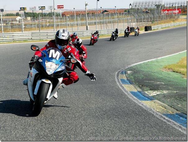 PoluxCriville-Via-Motociclismo.es-cursos-conduccion-circuito-moto (1)