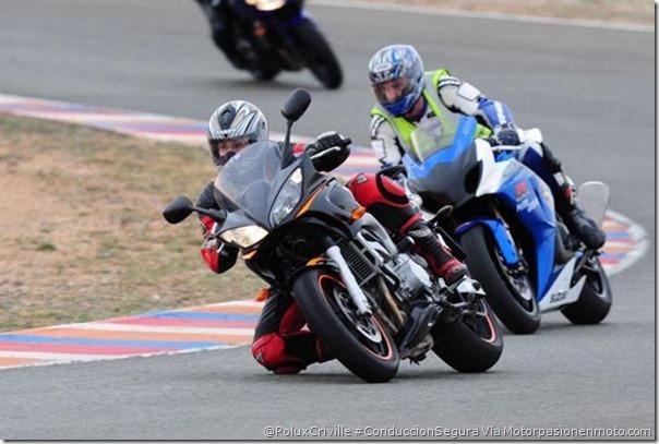 PoluxCriville-Via-Motorpasionenmoto.com-tandas-circuito-conduccion-moto