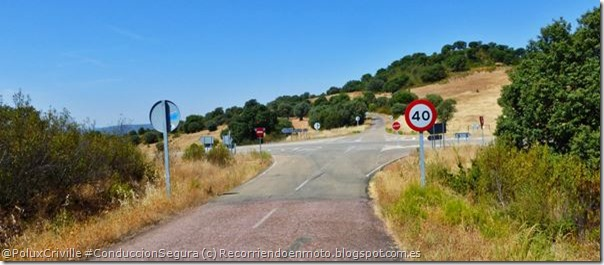 PoluxCriville-Via-Recorriendoenmoto.blogspot.com.es-seniales-carretera-limite-velocidad-peligro
