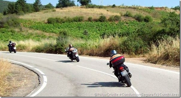 PoluxCriville-Via_Conchi Ares_conduccion-segura-moto-no-pisar-rayas-blancas
