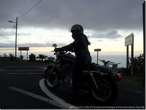 PoluxCriville-Via_Giordano García-conduccion-segura-moto-sin-ropa-reflectante-no-se-te-ve