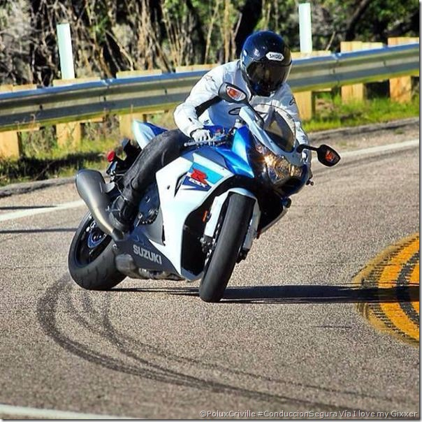 PoluxCriville-Via_I Love My Gixxer_conduccion-segura-moto-carretera-no-es-circuito