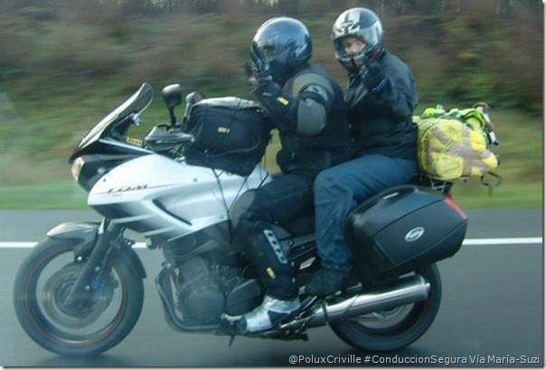 PoluxCriville-Via_María_Suzi-viajes-pasajero-carga-maletas-moto-conduccion-segura