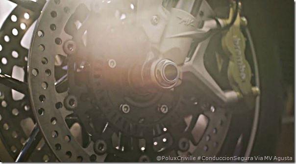 PoluxCriville-Via_MVAgustaMotorSPA-ABS-frenos-moto-seguridad-discos