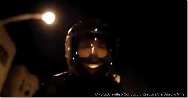 PoluxCriville_Snadro Miller-moto-conduccion-nocturna-visibilidad (1)