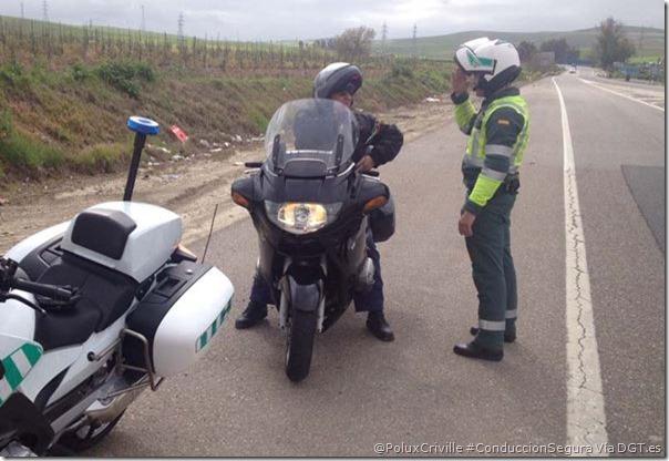 PoluxCriville-Vía-DGT.es-documentacion-moto-smartphone