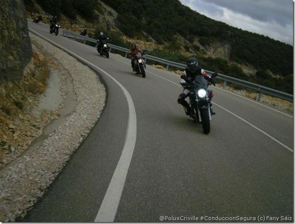 PoluxCriville-Via-Fany Saiz-Juandu Romero-curvas-visibilidad-grupo-conduccion-segura-moto