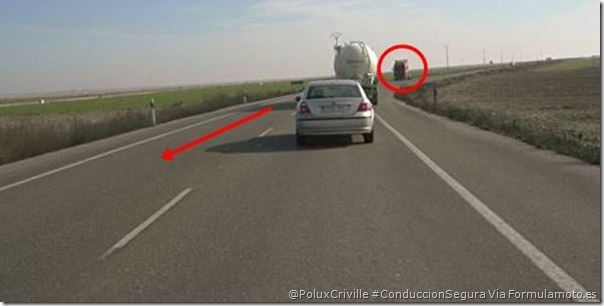 PoluxCriville-Via-Formulamoto.es.adelantamientos-curvas-moto-señales-trafico (2)